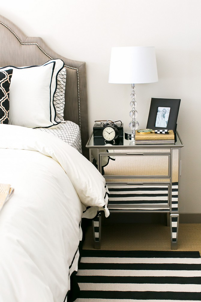 Mirrored Nightstands - A Special Touch For Your Master Bedroom (2) mirrored nightstands Mirrored Nightstands - A Special Touch For Your Master Bedroom Mirrored Nightstands A Special Touch For Your Master Bedroom 2