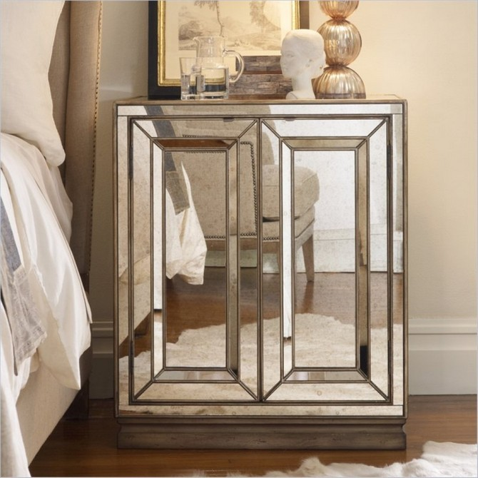 mirrored nightstands Mirrored Nightstands – A Special Touch For Your Master Bedroom Mirrored Nightstands A Special Touch For Your Master Bedroom 7