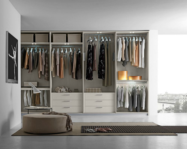 walk-in closets Fabulous Walk-In Closets to Make your Bedroom Interior More Organized! 4 7