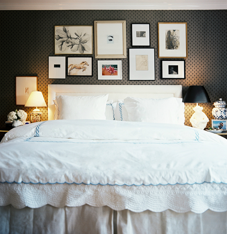 black bedrooms Stylish Black Bedrooms with Goth Glamour 5 4