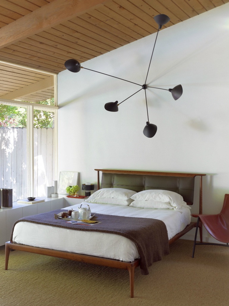 Trendzine: the Perfect Inspiration for Beautiful Mid-Century Bedrooms Mid-Century Bedrooms Trendzine: the Perfect Inspiration for Beautiful Mid-Century Bedrooms 4