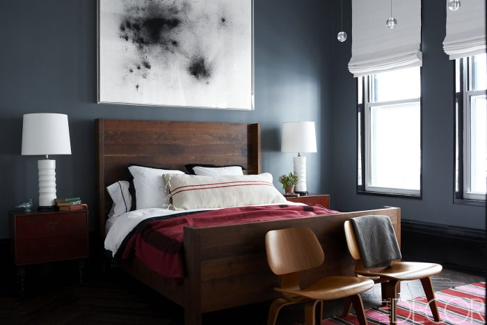 symmetrical-nightstands-2-12 celebrity bedrooms Enviable Celebrity Bedrooms Symmetrical Nightstands 2 12 e1473765878300