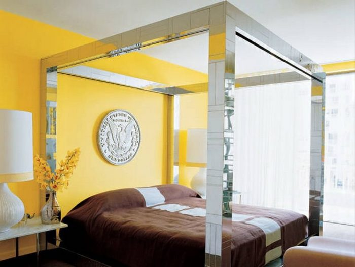 symmetrical-nightstands-2-8 celebrity bedrooms Enviable Celebrity Bedrooms Symmetrical Nightstands 2 8 e1473766072429