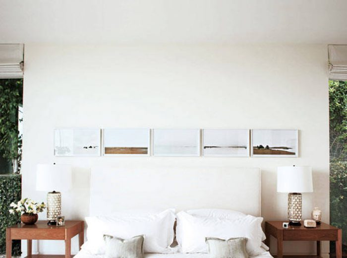 symmetrical-nightstands-2 celebrity bedrooms Enviable Celebrity Bedrooms Symmetrical Nightstands 2 e1473764100869