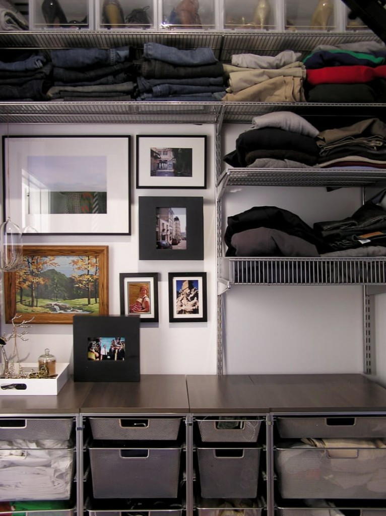 A list of ways to organize your closet in bedroom for How to organize your small bedroom closet