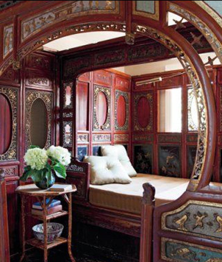 art-nouveau-architectural-style-characteristics-1 dramatic bedrooms Crazy Dramatic Bedrooms In The World Art Nouveau Architectural Style Characteristics 1 e1481639193110