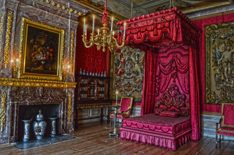 dutch palace master bedrooms Opulent Master Bedrooms of Famous Palaces Paleis Het Loo