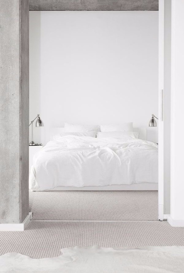 white minimalistic bedroom master bedroom The Best White Designs For Charming Master Bedrooms 2015 08 18 1950 55d3705cddf2b334f1771d23
