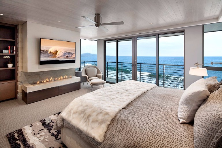 ocean view 50 Dazzling Master Bedrooms With An Ocean View CtbAqpzVYAAOMS6