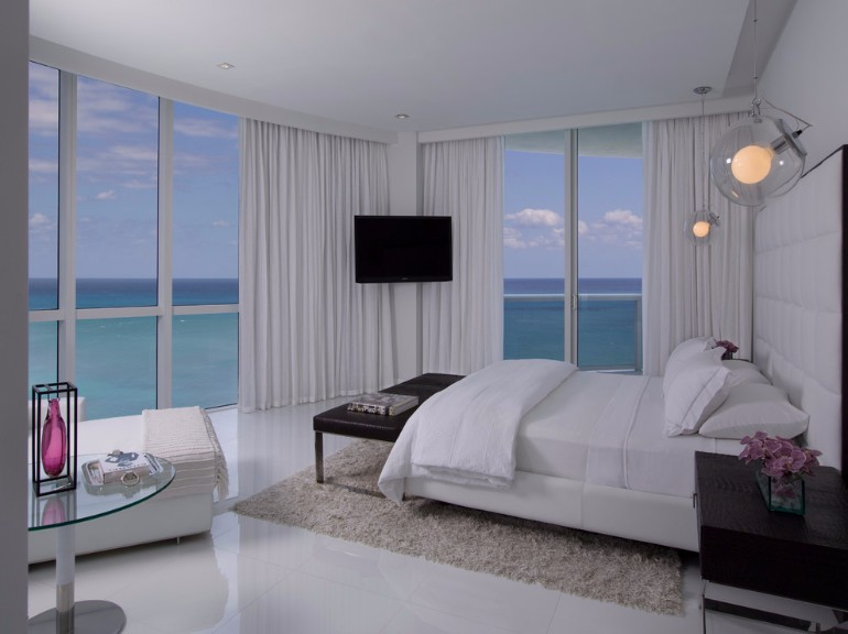 ocean view ocean view 50 Dazzling Master Bedrooms With An Ocean View Interier Bedroom with a view of the beauty 13