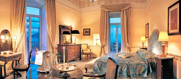 luxury hotel Top 10 Bedrooms of Italian Luxury Hotels grand hotel excelsior vittoria sorrento Italy