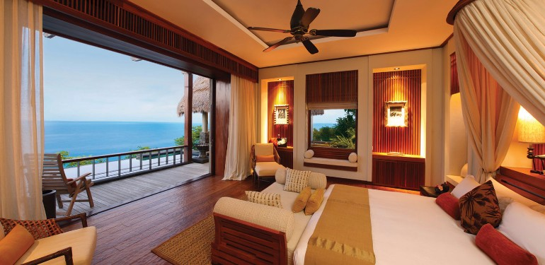 ocean view 50 Dazzling Master Bedrooms With An Ocean View maia8