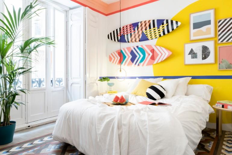 top interior designers Bedrooms by Top Interior Designers: Masquespacio 011 MasquespacioInteriorDesignHostelValencia Highres