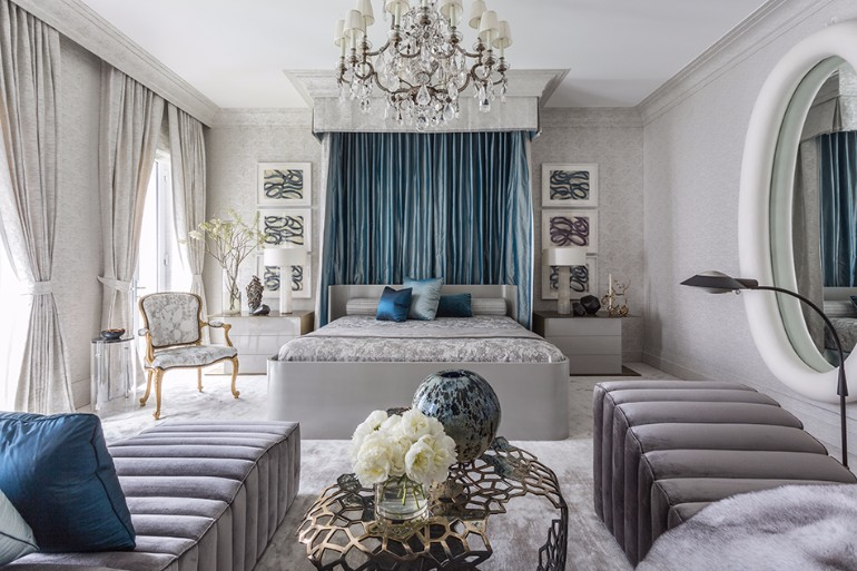 Jamie drake bedroom inspiration top interior designers master bedroom decor ideas jamie drake Bedrooms by Top Interior Designers: Jamie Drake grey bedroom design with glimpse of green for modern bedroom decor room ideas bedroom inspiration jamie drake design