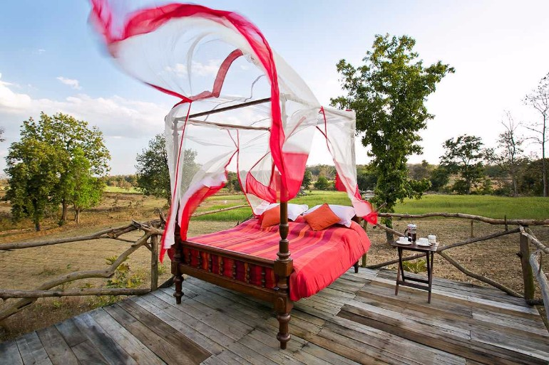 bedroom inspiration Outdoor Bedroom Inspirations for The Most Rewarding Naps outdoor bed design master bedroom decor outdoor design inspiration outdoor living