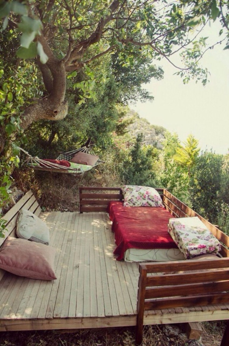 bedroom inspiration Outdoor Bedroom Inspirations for The Most Rewarding Naps outdoor beds beautiful design master bedroom