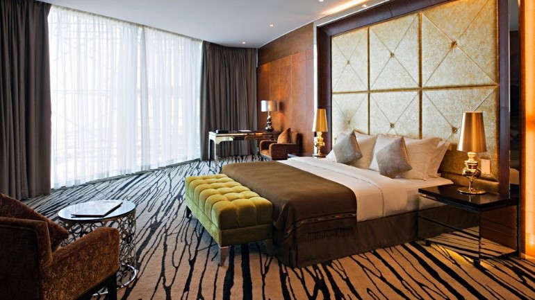 luxury hotel room 10 Sumptuous Luxury Hotel Room Designs Meydan hotel  bedroom dubai uae luxury hotel