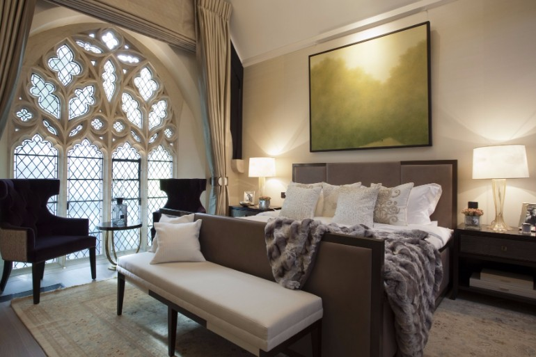 bed design bedroom design bedroom design Bedroom Designs by Top Interior Designers: TAYLOR HOWES Taylor Howes Knightsbridge beautiful glasses walls palace bedroom modern contemporary bedroom room ideas interior decor master bedroom design