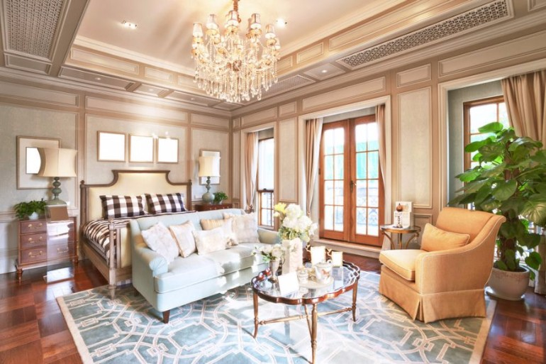 master bedroom Splendid Master Bedrooms with Golden Chandeliers classical master bedroom design golden chandelier contemporary bedrooms modern lighting master bedroom design