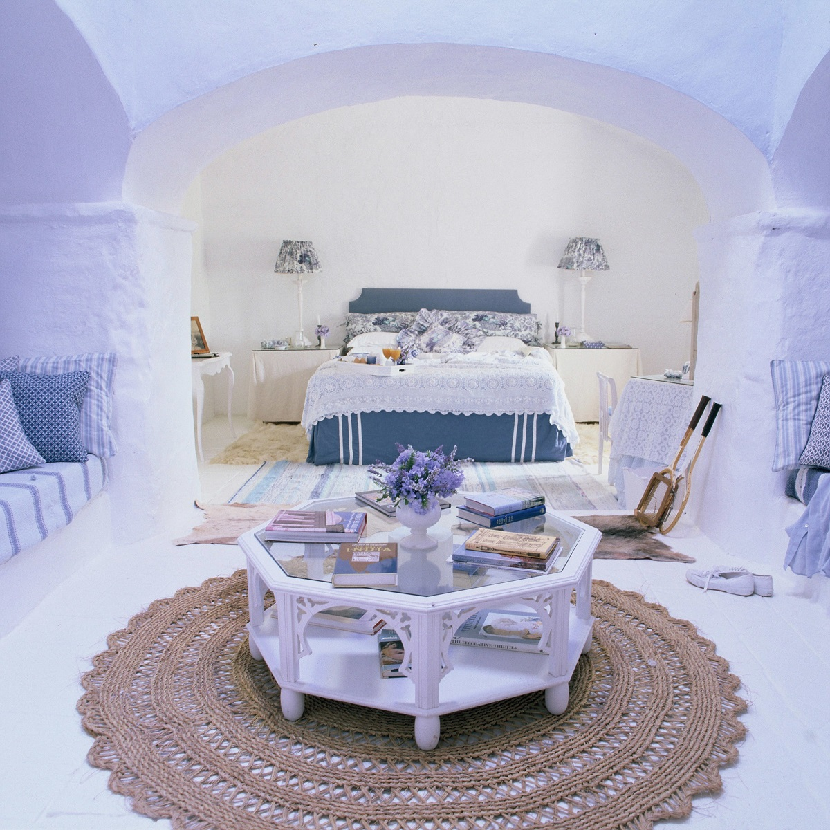 dream bedroom Dream bedrooms from all around the world Pt II trasierra spain white bedroom decor blue color palette cuddly bedroom country chic whitewashed walls old fashioned decor adorable white and blue