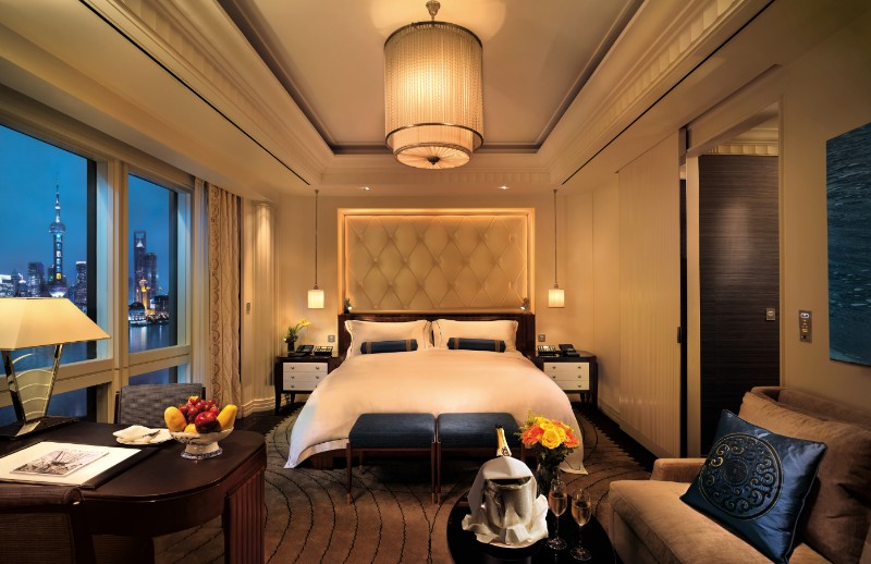 bedroom design Bedroom Designs by Top Interior Designers: Pierre-Yves Rochon The Peninsula Shanghai Pierre Yves Rochon opulent hotel bedroom design ideas inspiration dream bedroom luxury