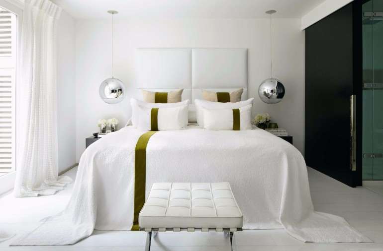 bedroom design Bedroom Designs by Top Interior Designers: Kelly Hoppen gorgeous kelly hoppen white bedroom design master bedroom ideas modern bedroom decor