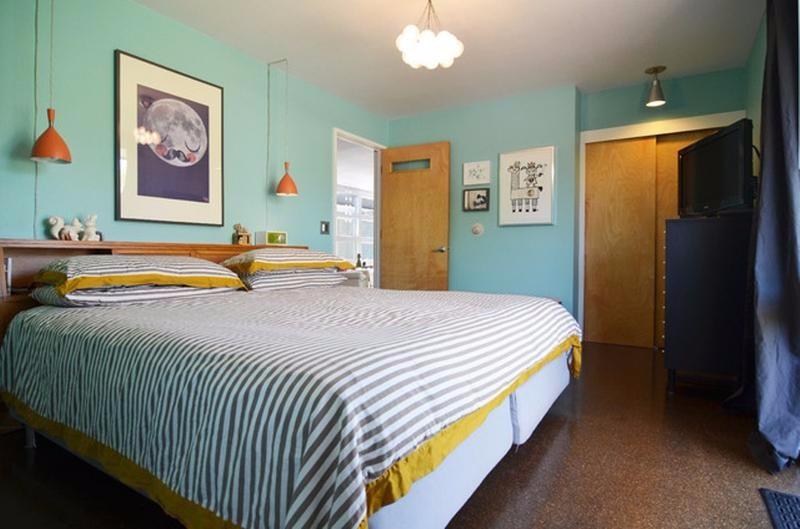 Bedroom inspiration for mid century modern homes master for Mid century modern master bedroom
