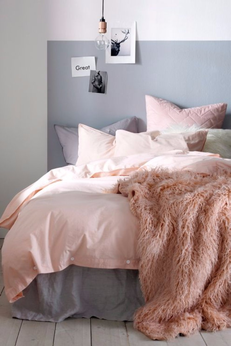 pink bedroom Subtlety and Charm with 10 Pink Bedroom Designs Pink textiles enhance the charming feel of this bedroom design
