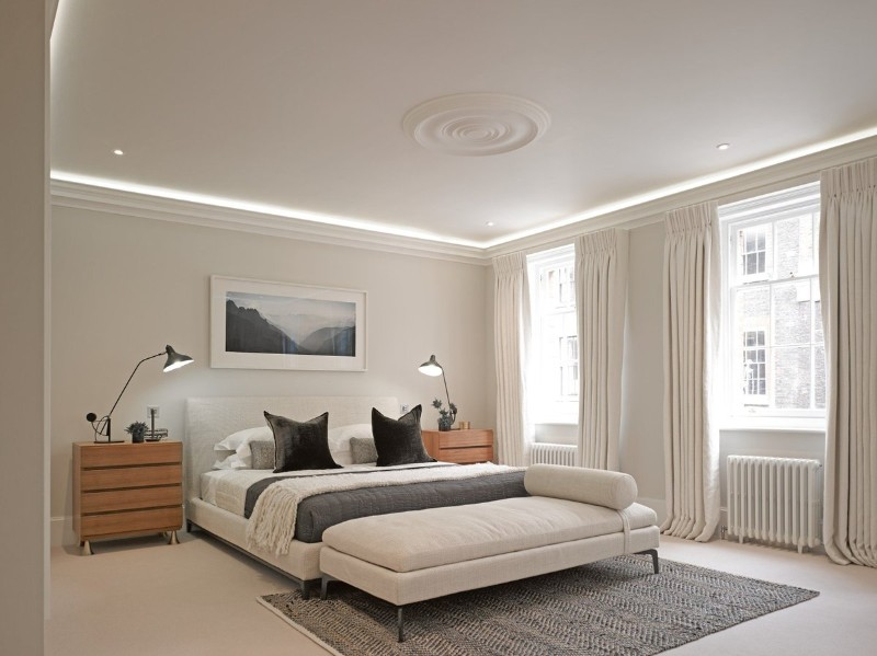 neutral bedroom 10 Smooth Neutral Bedrooms by Famous Interior Designers Sleek contemporary bedroom in white at Craven Street by Studio Ashby