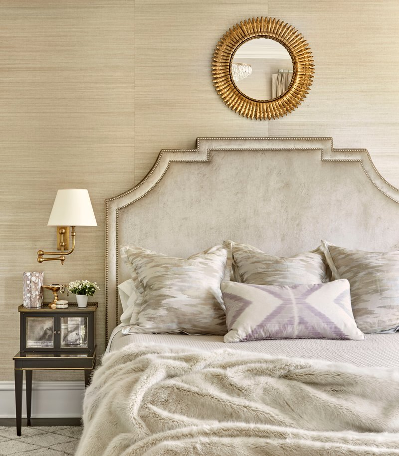 transitional style 10 Transitional Style Bedrooms by Famous Interior Designers Summer Thornton design transitional style master bedroom design ideas modern bedroom decor