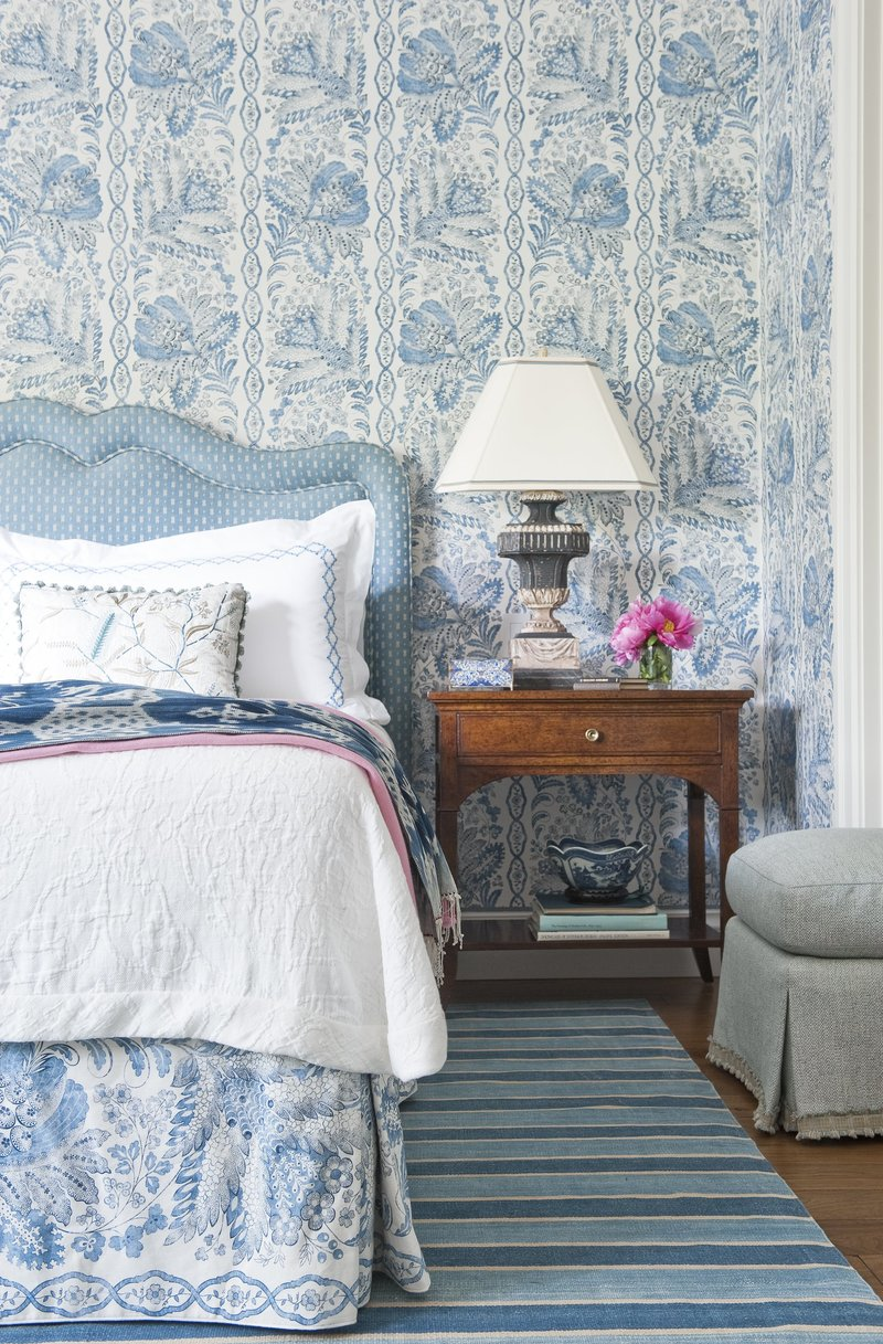 transitional style transitional style 10 Transitional Style Bedrooms by Famous Interior Designers Suzanne tucker gorgeous blue bedroom inspiration ideas master bedroom design modern decor