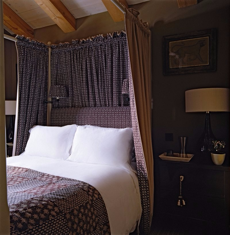 one night stand One Night Stand Ideas for Subtle Master Bedrooms Switzerland Chalet bedroom by Philip Hooper