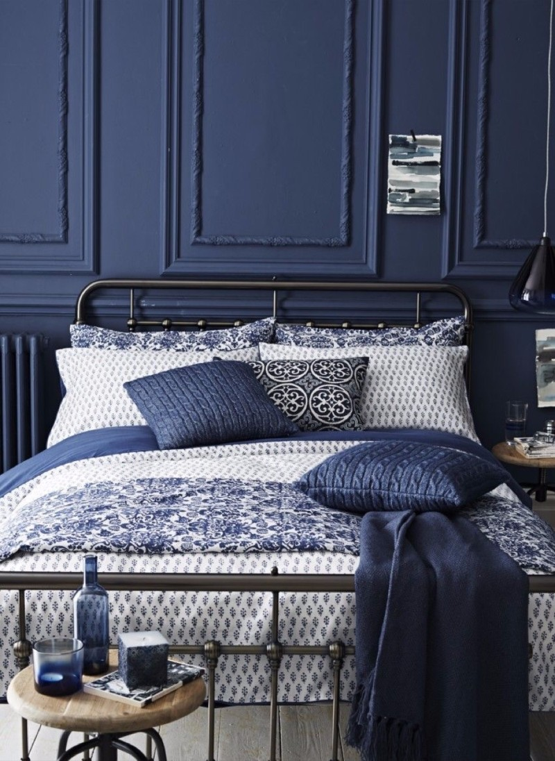 blue bedroom 10 Charming Navy Blue Bedroom Ideas amazing navy blue bedroom design master bedroom ideas blue pillows