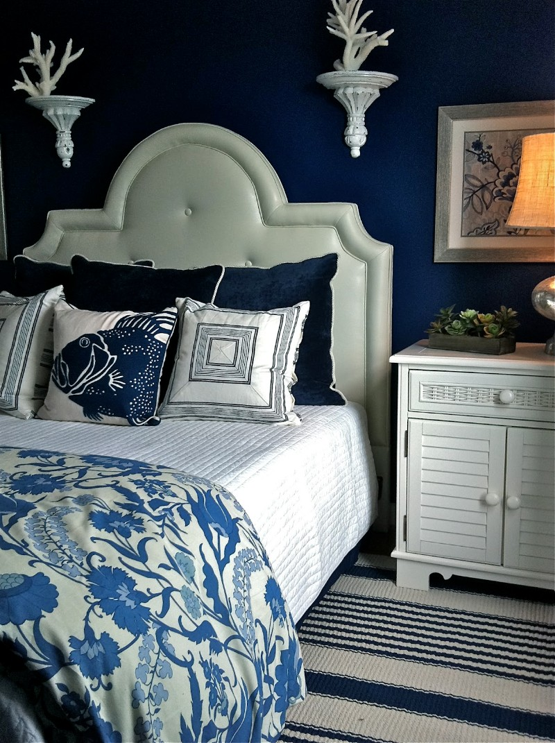 blue bedroom 10 Charming Navy Blue Bedroom Ideas navy blue bedroom ideas white wall fixtures blue textiles modern master bedroom design