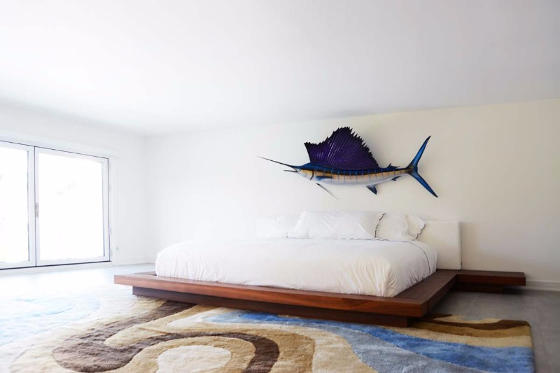 bedroom design Bedroom Designs by Top Interior Designers: Sasha Bikoff sasha bikoff minimal bedroom design swordfish themed white bedroom design