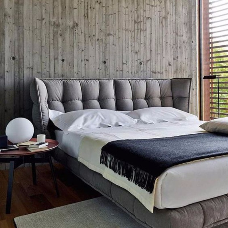 master bedroom 10 Master Bedroom trends for the Upcoming Winter 2017 A touch of drama on this grey contemporary bed