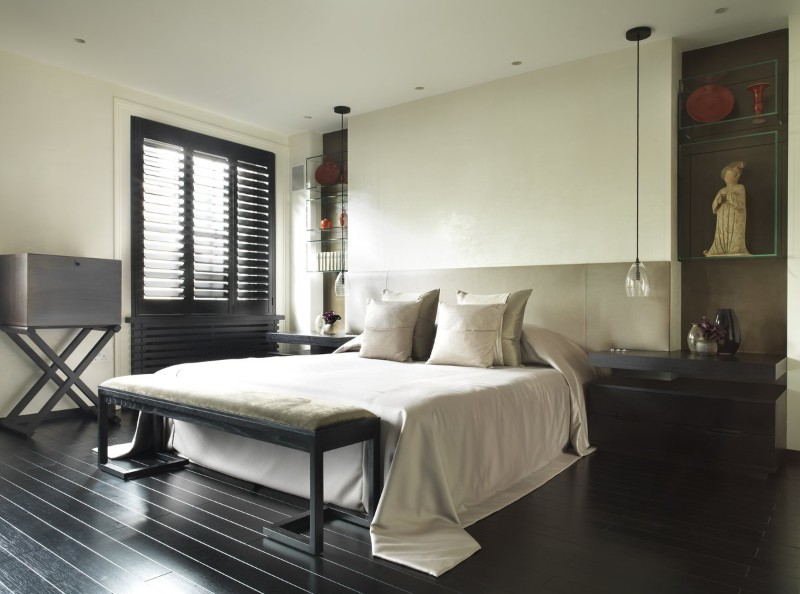 36 Master Bedrooms featured in Top design Magazines master bedroom 36 Master Bedrooms featured in Top design Magazines Contemporary bedroom design by Kelly Hoppen Interiors