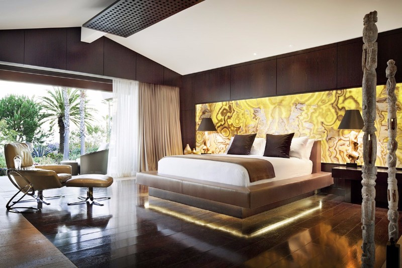 floor design 14 Charming Bedrooms with Wood Floor Design Contemporary master bedroom by Philip Nimmo
