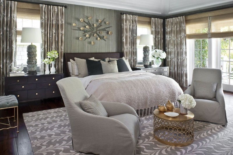 floor design 14 Charming Bedrooms with Wood Floor Design Stunpendously rich bedroom design by Jeff Andrews with Navy tones a charming grey rug and beautiful curtains by Jeff Andrews