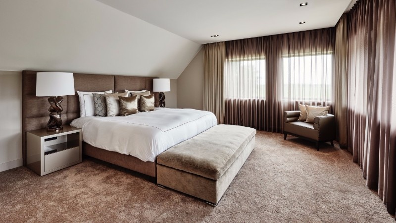 bedroom design Bedroom designs by Top Interior Designers: Eric Kuster charming metallic toned master bedroom design ideas by eric kuster modern interior design