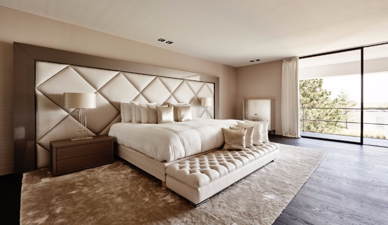 bedroom design Bedroom designs by Top Interior Designers: Eric Kuster cream and metal modern bedroom inspiration ideas eric kuster interior design 1