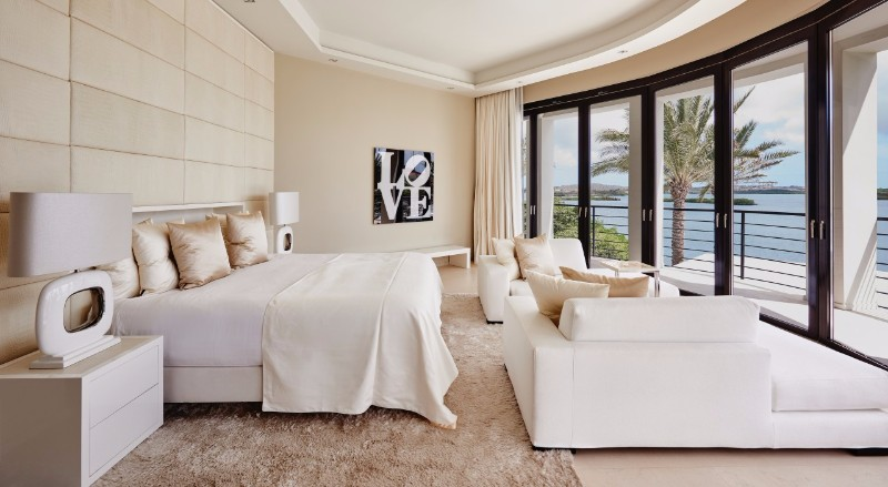 bedroom design Bedroom designs by Top Interior Designers: Eric Kuster cream toned master bedroom design ideas by eric kuster