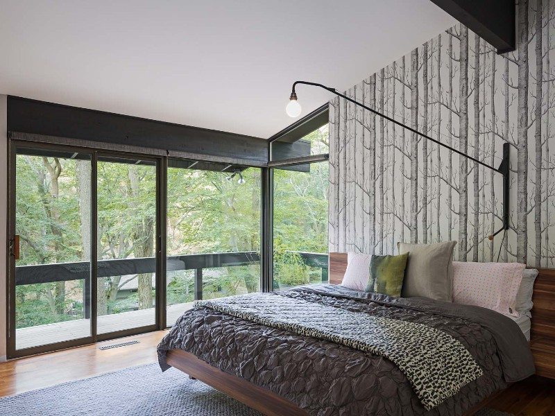 mid-century modern 10 Master Bedrooms in Mid-Century Modern Style charming wallpaper modern master bedroom design inspiration ideas grey mid century modern design