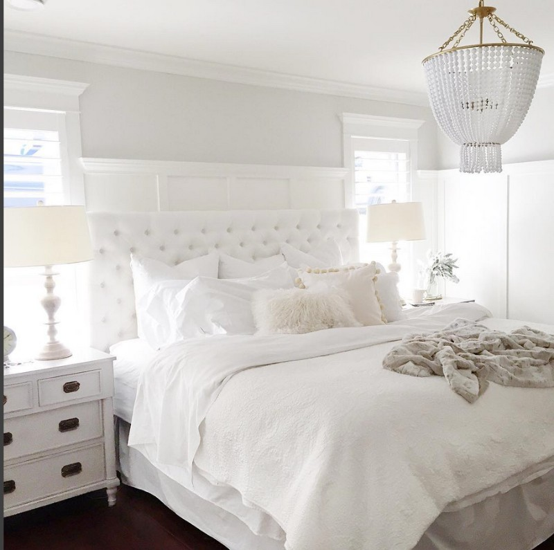 White Lounge Decor Ideas: Pinterest's 10 Most Charming White Bedroom Designs