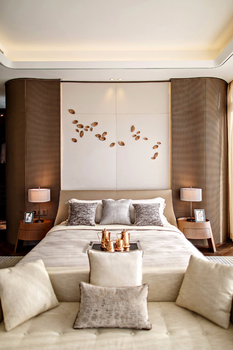 Pinterest s 10 most charming white bedroom designs for W hotel bedroom designs