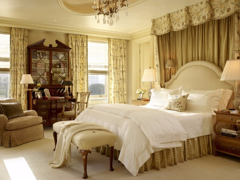 bedroom themes 10 Defining Bedroom Themes for 2018 traditional style master bedroom design ideas bedroom inspiration traditional bedroom design