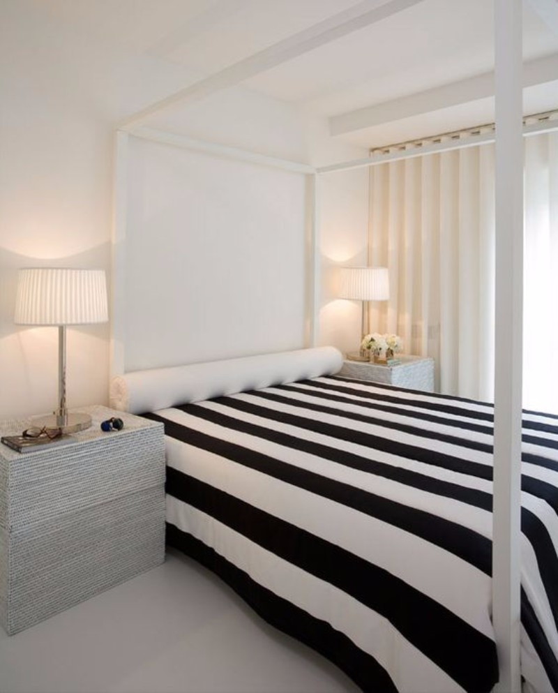black and white bedroom 10 Black and White Bedrooms in Contemporary Style ecf8988e976bf0285f237e6f1216873b