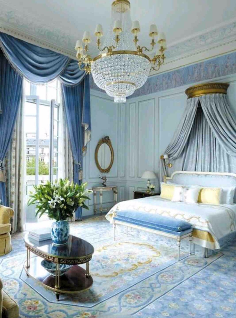 Master bedroom trends 2018 palace blue bedrooms master for Blue master bedroom ideas