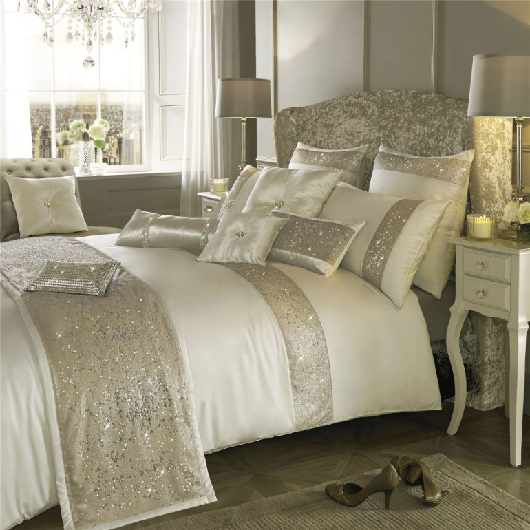 master bedroom design, dream bedroom luxury textiles Luxury Textiles for A Luxurious Master Bedroom Luxury Master Bedrooms By Famous Interior Designers