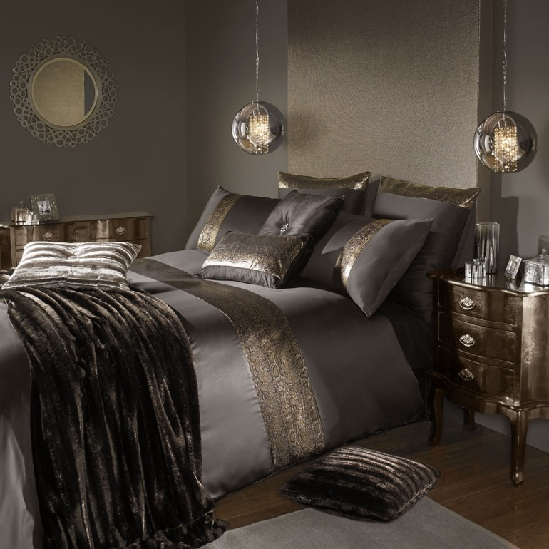 dream bedroom, master bedroom ideas luxury textiles Luxury Textiles for A Luxurious Master Bedroom Luxury Master Bedrooms By Famous Interior Designers 1 1